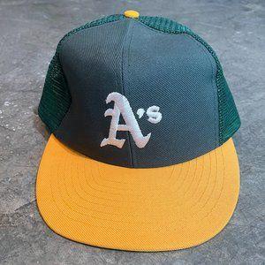 Vintage Oakland A's Trucker Snapback Hat